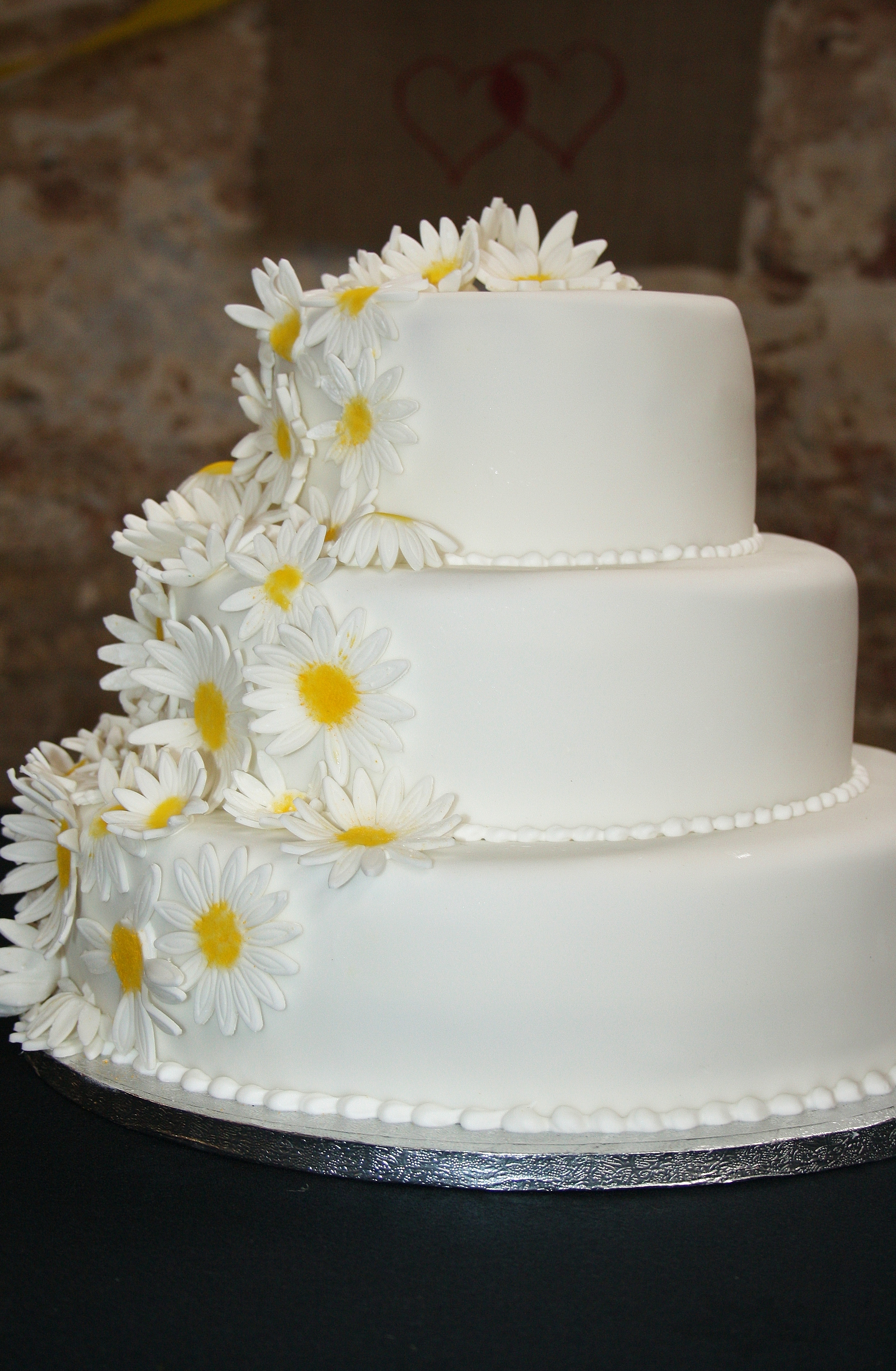 Daisy Wedding Cakes submited images